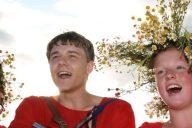 Novgorodilainen lasten ja nuorten taidekoulu Kudesy tekee esityksiä kansanperinteen ympärille.