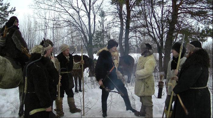 Azor elokuvaa näytetään suomeksi tekstitettynä Sugrifestissä Porissa, Tampereella, Kemissä, Oulussa ja Helsingissä.