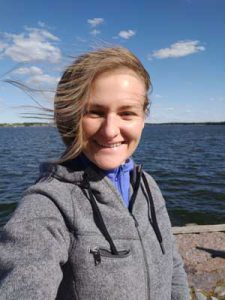Natalia Kachelina tarjoaa venäjän kielen yksityisopetusta myös verkossa, tulkkauksia ja käännöksiä (suomi-venäjä-suomi).
