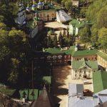 Suomi-Venäjä-Seuran matkalla pääset tutustumaan Petserin luolaluostariin.
