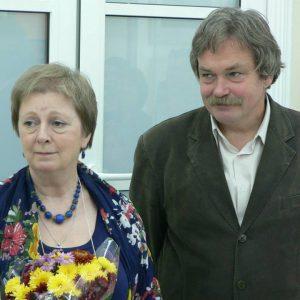 Suomi-Venäjä-Seuran kuvataideleirillä opettajina toimivat Hertzenin yliopiston professori Aleksander Mazhuga ja yliopistonlehtori Ksenija Potshtennaja.