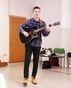 Tubettaja Kirill Sultansin esiintyi Suomi-Venäjä-Seuran Itä-Suomen piirin piirikokousessa.