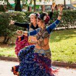 Tribal-tanssiryhmä esiintyy VereskFESTillä 18.8.2019.