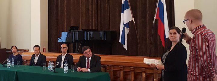 Suomi–Venäjä-seuran sääntömääräisen valtuuston yhteydessä järjestettiin paneelikeskustelu, jossa käsiteltiin suomalais-venäläistä toimintakenttää ja yhteistyötä.